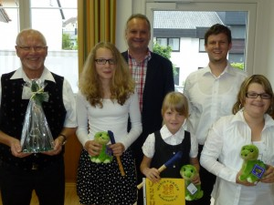 Das Bild zeigt: Heiner Wagner, Nathalie Jung, Stefan Abel, Emely Bayer, Michael Wagner und Elisa Milena Nauertz. (von links nach rechts)