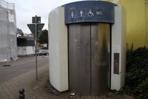 Toilettenhäuschen in der Pfarrgasse