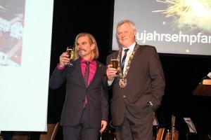 Oberbürger Hans Wagner und Nico Ganster von Handel & Gewerbe