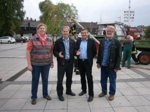 Im Bild von links nach rechts: Ortsvereinsvorsitzende Herdis Behmann, Europaabgeordneter Jo Leinen, Landratskandidat Dr. Theophil Gallo und Kreistagsmitglied Hermann Schmees