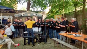 "Der Becker-Chor in der ""Luschd"" (Foto: Edgar Omlor)"
