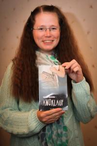 """Bianca Schilsong stellt ihr neues Buch """"Letzter Ausweg - Amoklauf"""" vor. (Foto: Frank Leyendecker)"""