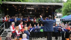 Die Musikvereine Rohrbach und Waghurst beim Pfingstfest 2015