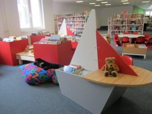 Piratenecke in der Stadtbücherei (Foto: Karin Mosthshiri)