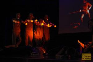 """Das Theaterstück """"Schams"""" in der Stadthalle (Foto: Frank Leryendecker)"""