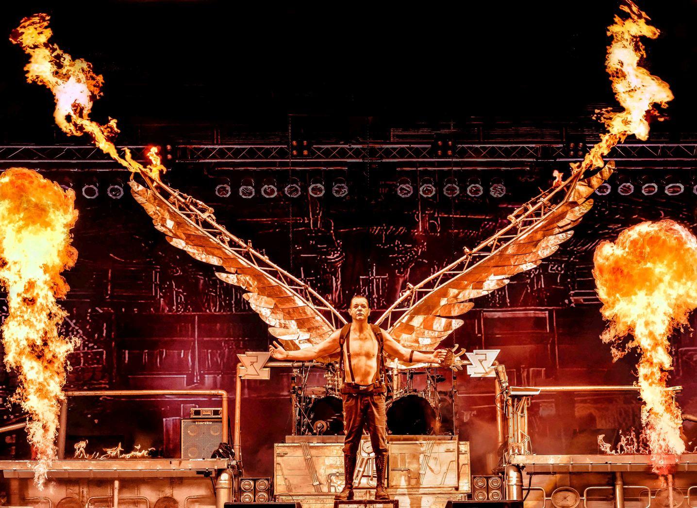 Stahlzeit - die Spektakulärste Rammstein- Tribute Show - Auf Reise Tour 2018